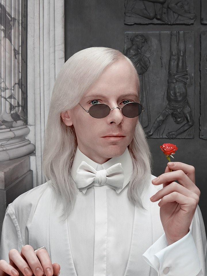 Uomo in Bianco con Rosa, Lambdaprint, 2014